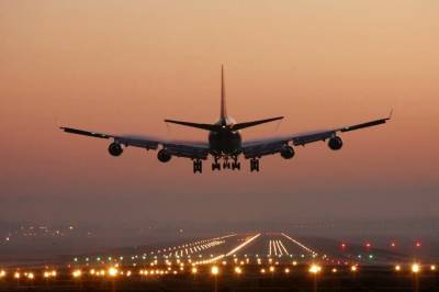 PIA plane forced to make emergency landing at Lahore Airport