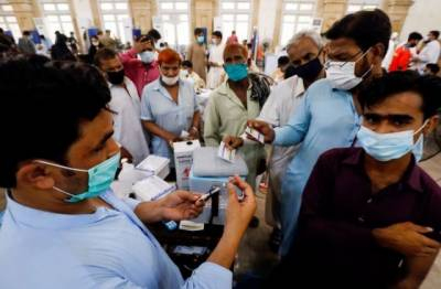 NCOC announces new strict measures against the unvaccinated people in Pakistan