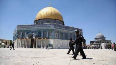 Israel quietly allowed Jews to hold prayers at Al Aqsa mosque under police protection